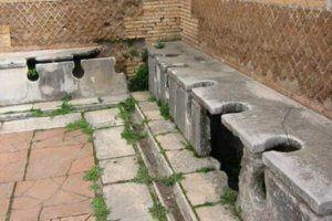 Inodoro en la época Romana